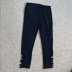 Black knee length yoga pants